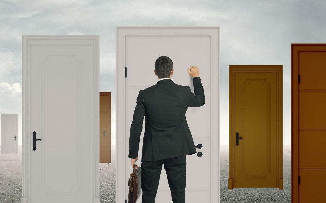40% dos profissionais qualificados buscam novas oportunidades por medo de perder o emprego