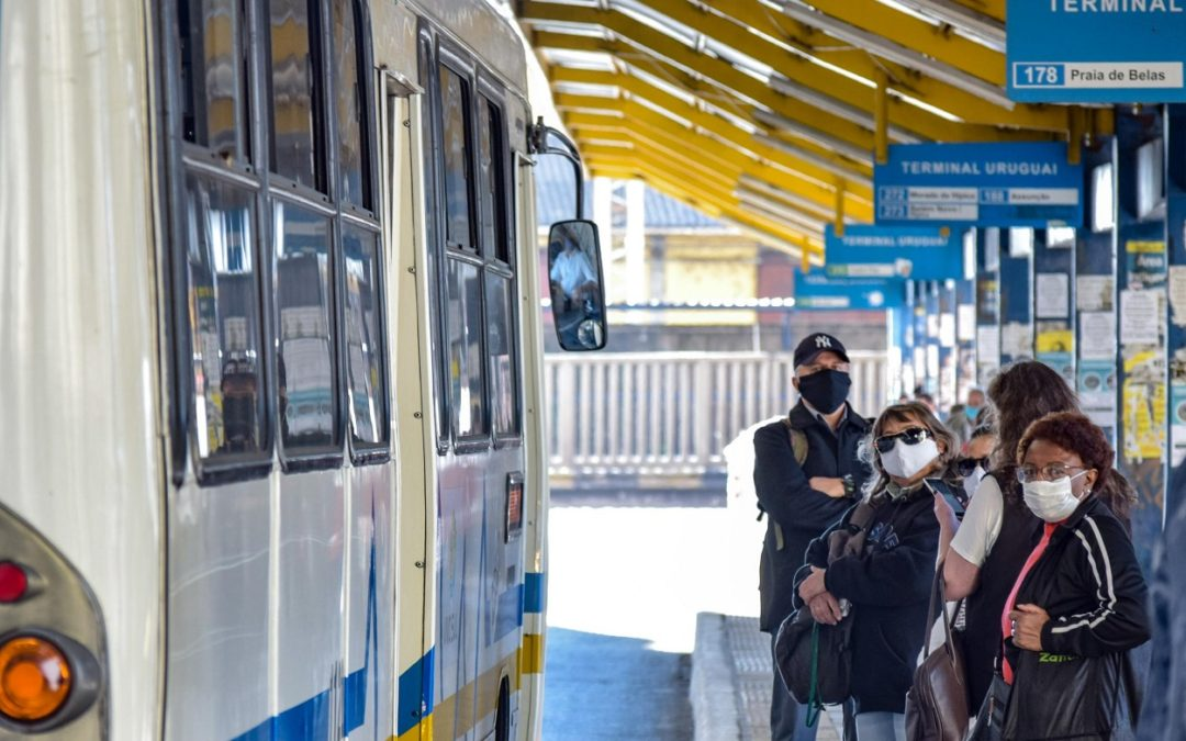 Porto Alegre define restrição de vale transporte para empresas não autorizadas a funcionar