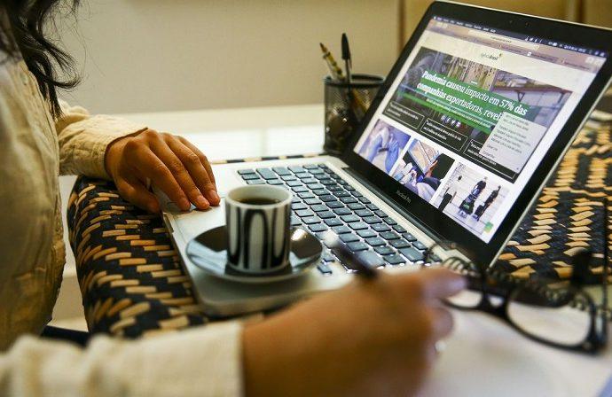 95% dos executivos veem trabalho híbrido como permanente, diz pesquisa