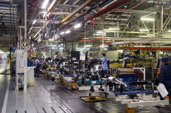 Contratações superaram demissões na indústria em janeiro pela 1ª vez em 10 anos, diz CNI