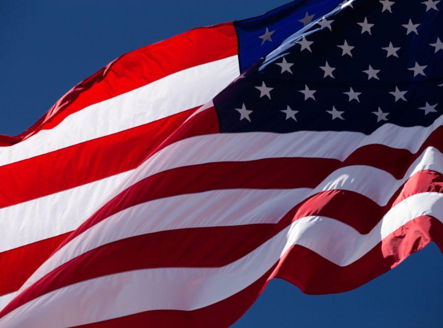 EUA criam 117 mil vagas no setor privado em fevereiro