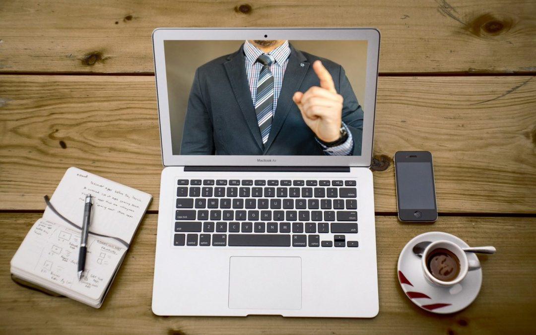 Empresas devem misturar trabalho presencial e home office, diz especialista