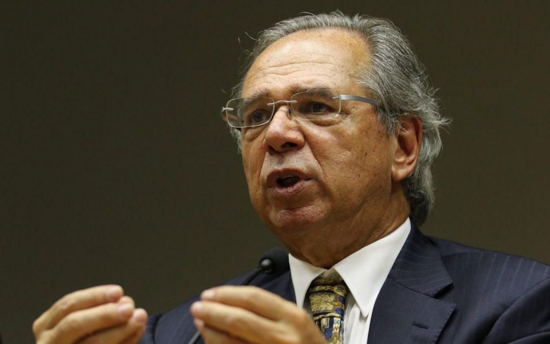 A política fiscal mais importante no momento é a vacinação, diz Guedes