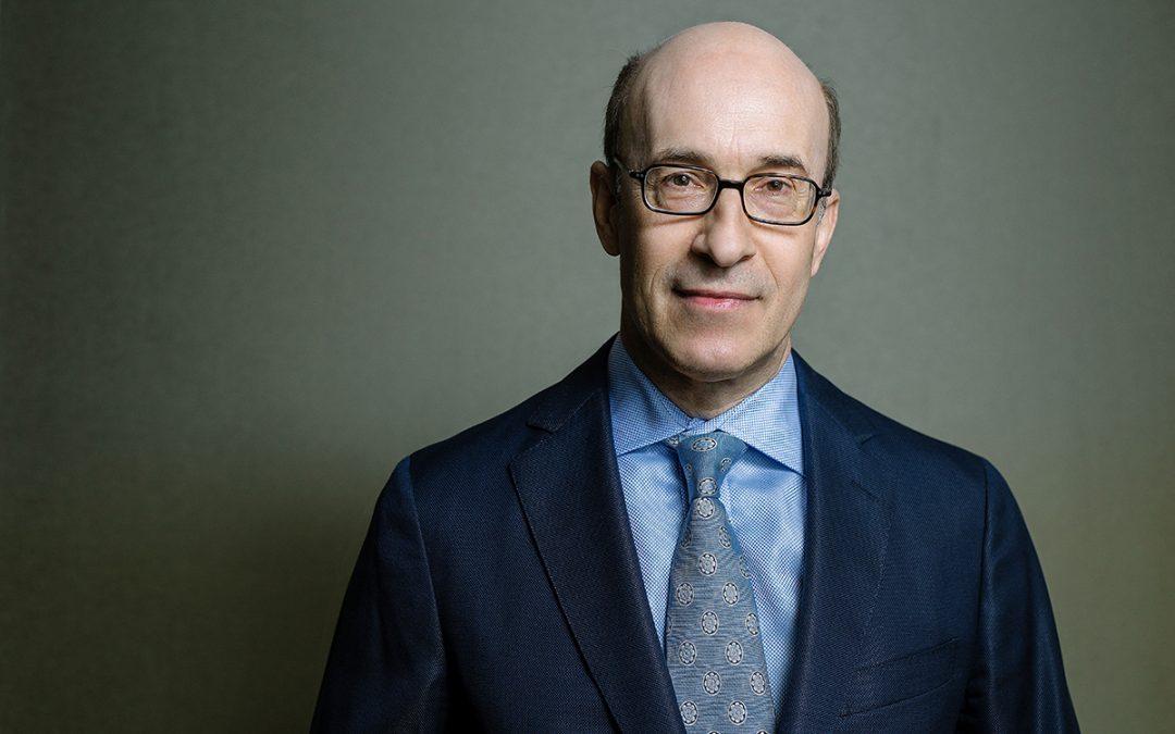 """Economia brasileira se mantém robusta, apesar da pandemia"", diz Kenneth Rogoff, professor em Harvard"