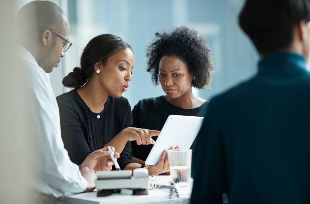 Diretores negros ganham espaço em empresas nos EUA